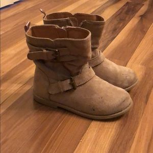 Toddler girl boots.